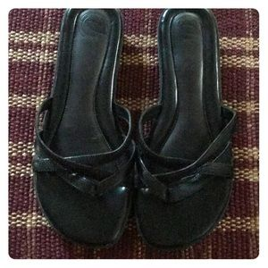 Nurture Black Sandals - Size 6.5